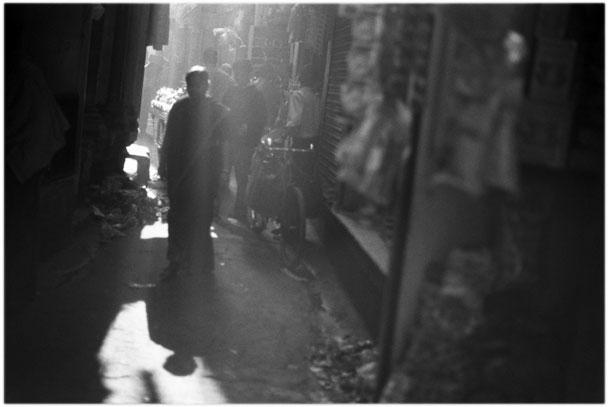 India, alley behind Varanasi